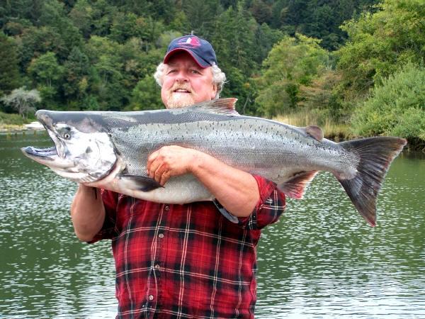 The oregon angler oregon fishing guide for Oregon salmon fishing