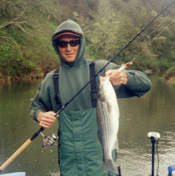 The oregon angler oregon fishing guide for Bass fishing oregon